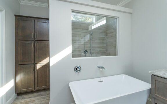 Malibu Model 2 Master Bathroom (2)