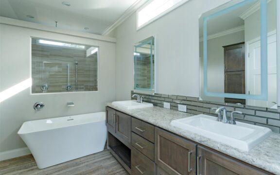 Malibu Model 2 Master Bathroom