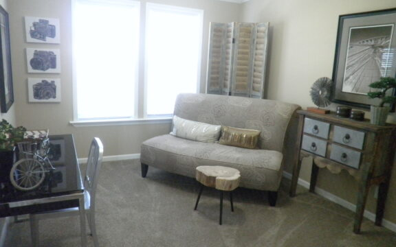 Secondary bedroom turned into sitting area - Wellington X348F6 by Palm Harbor Homes