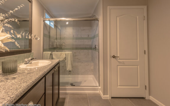 Master bath - Siesta Key II by Palm Harbor Homes