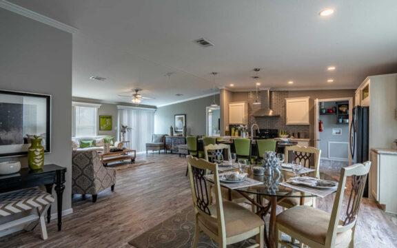 Dining Room - The Ventura VI TL30483C, 3 Bedrooms, 2 Baths, 1,440 Sq. Ft.